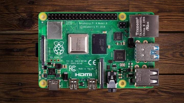 Raspberry Pi 4 Wi-Fi monitor resolução mini PC