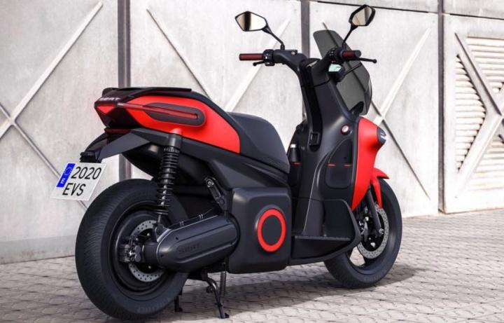 MÓ eScooter 125: A primeira moto elétrica da SEAT...sem fumo e sem ruído