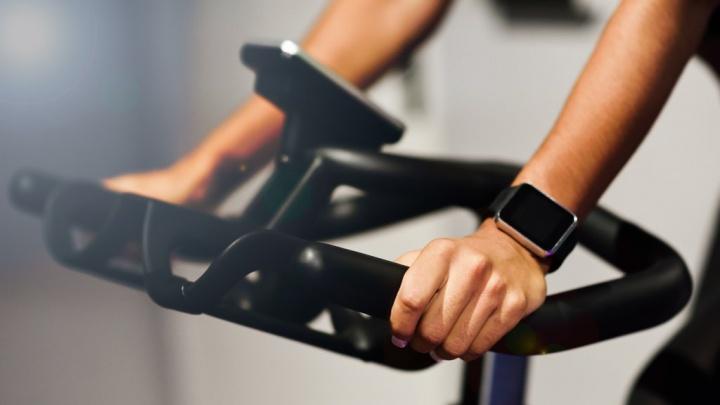 Smartwatch - do smartphone para o pulso com soluções de baixo custo
