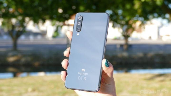 Xiaomi preços baixos smartphones CEO