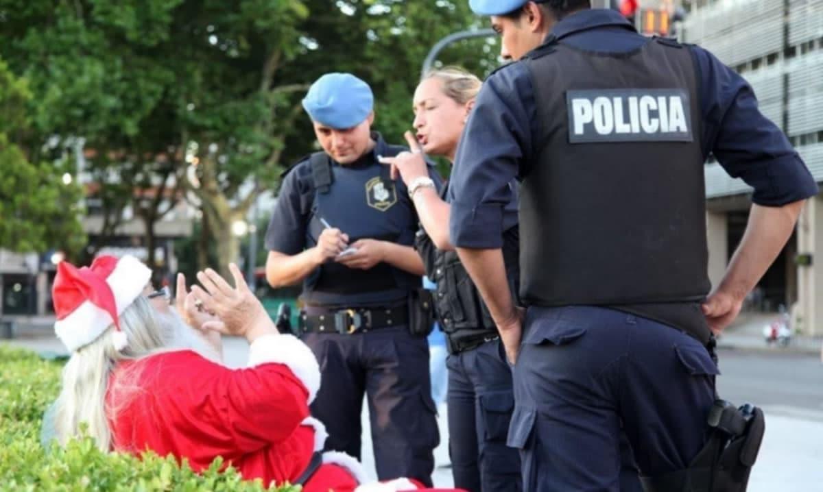 Imagem de um Pai Natal que não trouxe a prenda de natal correta