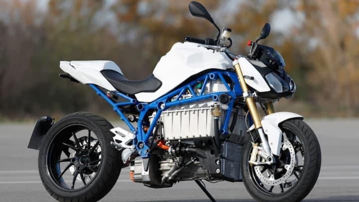 BMW revela protótipo E-Power Roadster de mota elétrica mais rápida que o seu equivalente a gasolina
