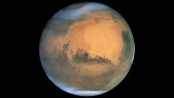 Imagem de Marte com os polos gelados, terá água