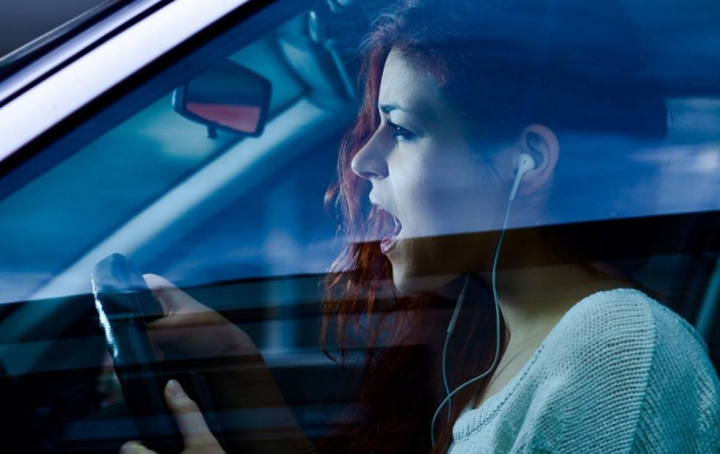 Código da Estrada: Auriculares na Condução é permitido?