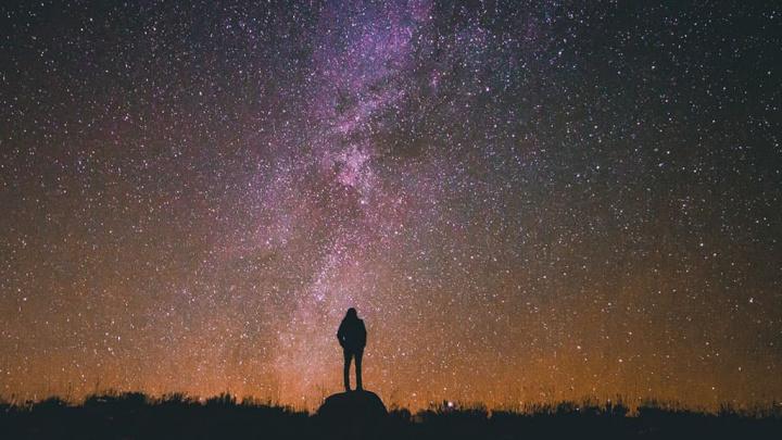 Imagem ilustra Paradoxo de Fermi, sobre alienígenas no universo