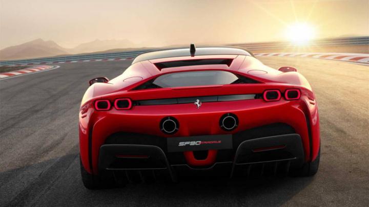 Ferrari elétrico 2025 baterias carros