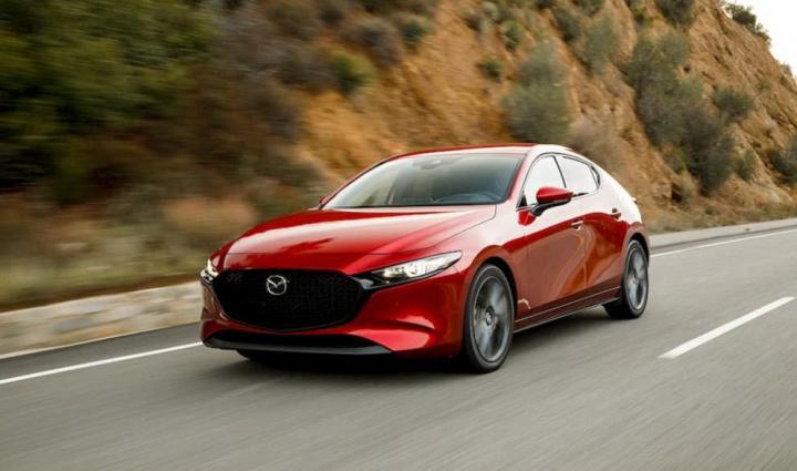 Bug no Mazda3 ativa travão de emergência sem qualquer razão