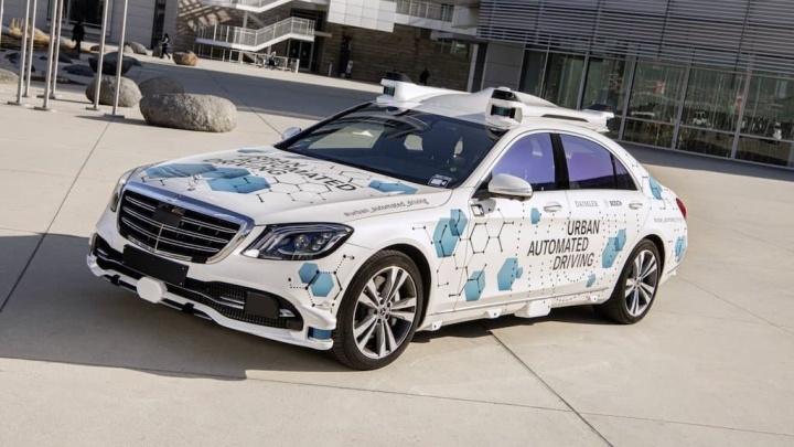 Mercedes e Bosch iniciam testes do seu serviço de condução autónoma