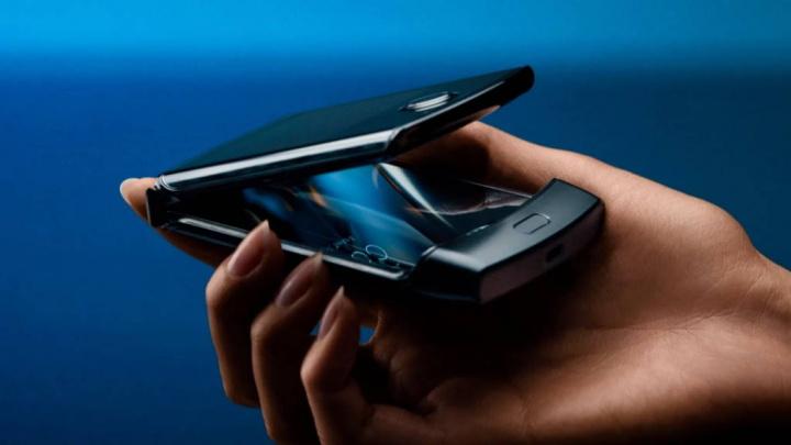 Motorola Razr consumidores lançamento stocks