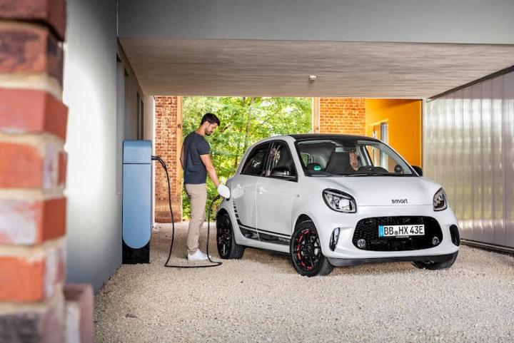 Novos smart EQ fortwo e forfour elétricos