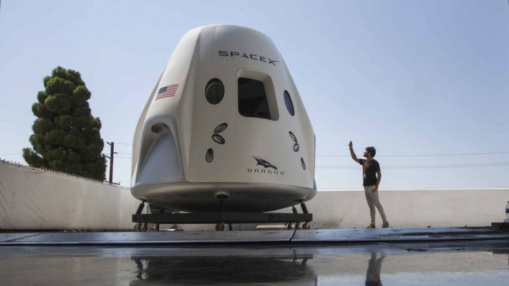 SpaceX Elon Musk ISS Falcon 9 Crew Dragon