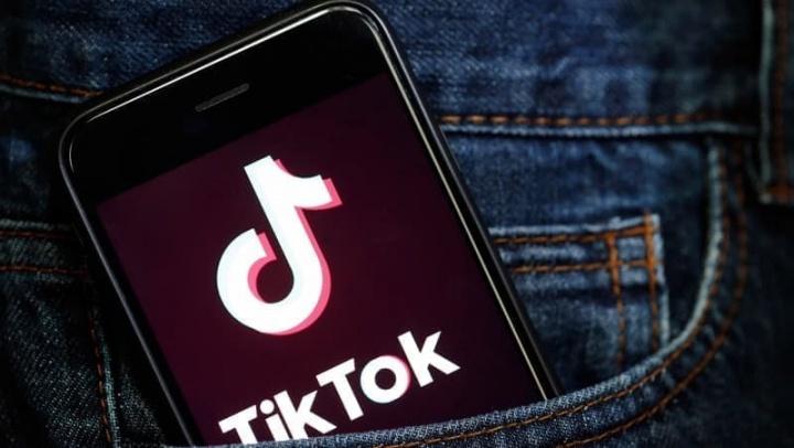 TikTok está a ser acusado de enviar dados de utilizadores para a China