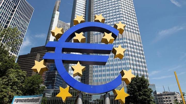 BCE estuda benefícios e riscos da criação de uma criptomoeda para o Euro Bitcoin