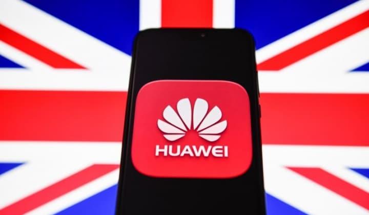 Huawei em coluio com a China? É o que afirma um relatório britânico