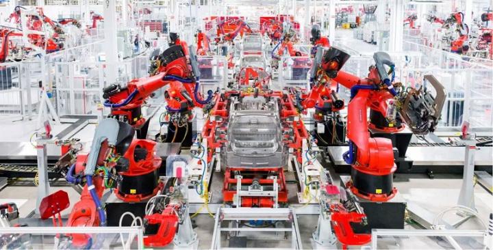 Imagem da Gigafactory da Tesla na China parada por causa do vírus coronavírus