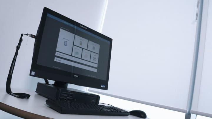 Imagem de computador da polícia escocesa com o sistema cellebrite para desbloquear smartphones