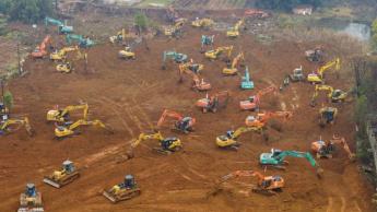 Escavações para construção do hospital