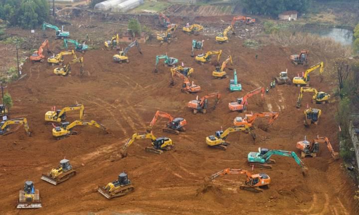 Escavações para construção do hospital na China