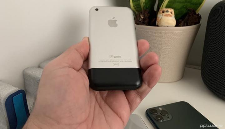 Apple iPhone original foi apresentado ao mundo por Steve Jobs há treze anos