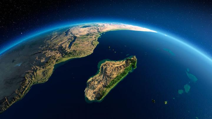 Imagem ilha de onde partiu um zumbido que cruzou o planeta e só foi detetado pelos sismógrafos