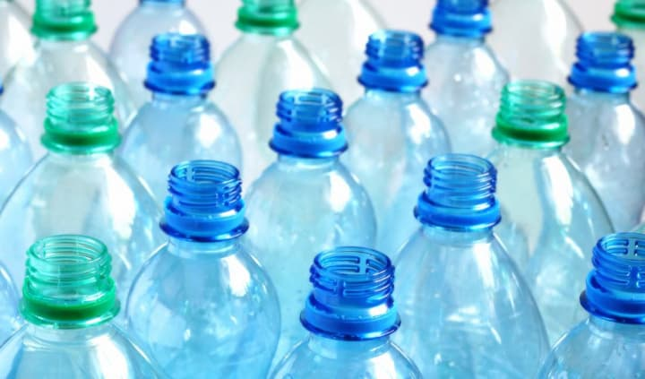 Imagem de garrafas de plástico