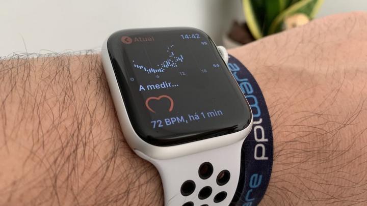 Apple é acusada de roubo de tecnologia usado no Apple Watch Masimo