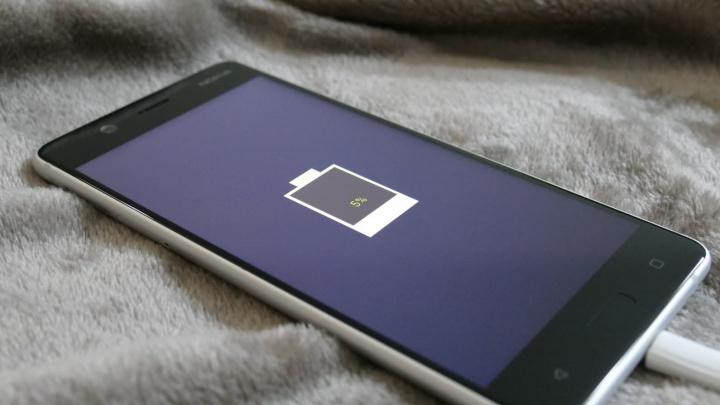 Bateria de lítio e enxofre: O seu smartphone vai ter uma autonomia de 5 dias!