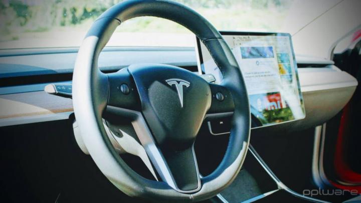 Tesla Autopilot seguro acidentes proteção