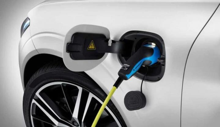 Vai comprar um elétrico? Volvo oferece eletricidade durante 1 ano
