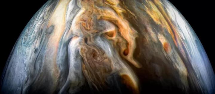 Última image, captada por Juno, da NASA, na 24ª passagem por Júpiter à procura de água