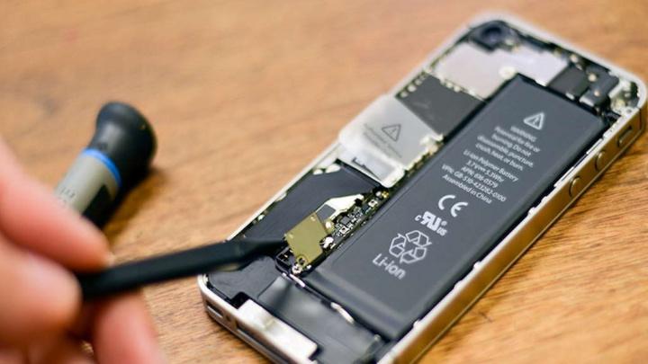 Comissão Europeia baterias troca smartphones fabricantes