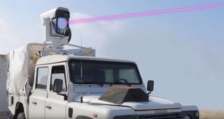 Imagem arma laser que abate drone a quilómetros de distância. Nova arma anti-drone