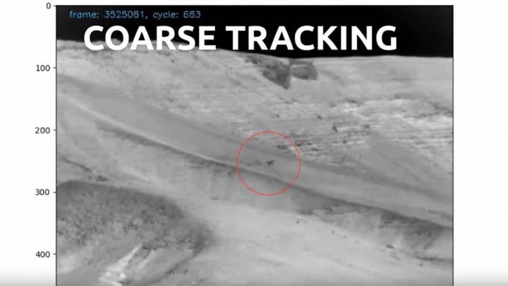 Imagem arma anti-drone em ação a localizar e abater drones