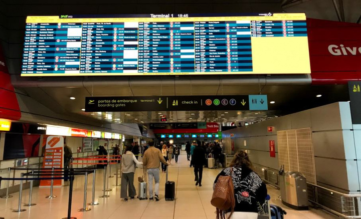 SEF com sistema de reconhecimento facial no Aeroporto de Lisboa