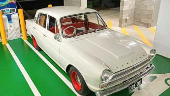 Imagem Ford Cortina com motor Tesla Model X
