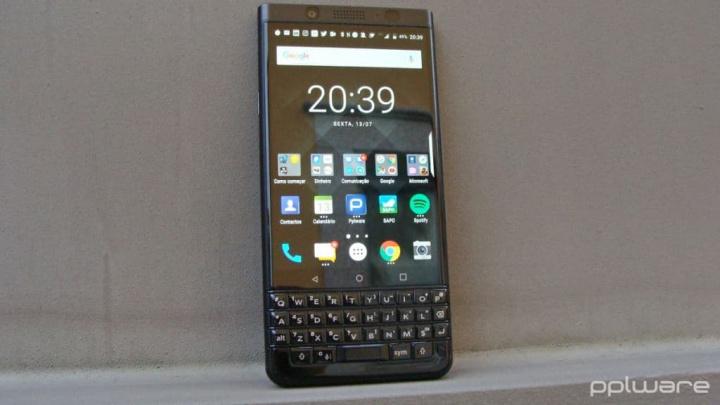 BlackBerry TCL smartphones desaparecer chinesa
