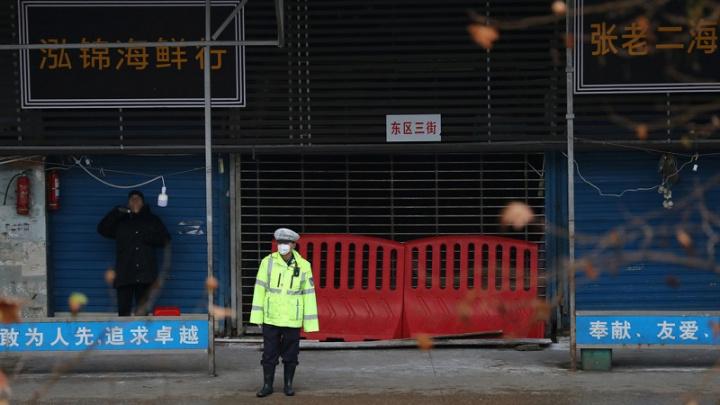 Lojas fechadas em Wuhan, na China, devido ao Coronavírus