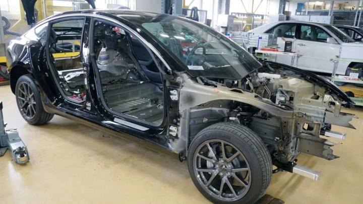 Tesla eletrónica tecnologia Toyota Volkswagen