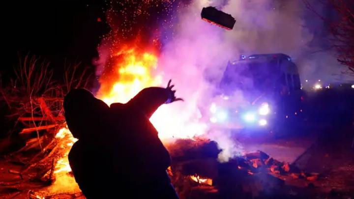 Imagem de confrontos na Ucrânia por causa de email falso