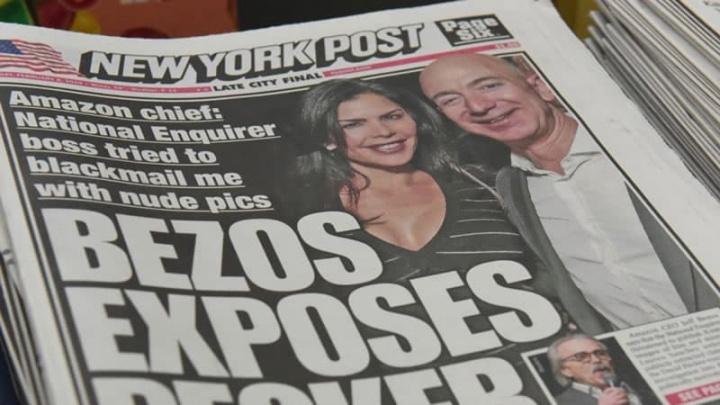 Imagem jornais a expor intimidade de Jeff Bezos CEO da Amazon