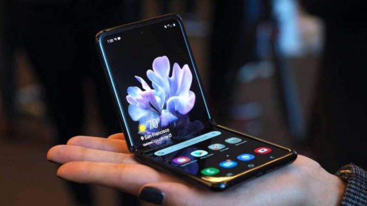Z Flip Galaxy Samsung publicidade utilizadores