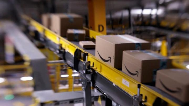 Imagem armazém Amazon que ilustra outros onde apareceu coronavírus