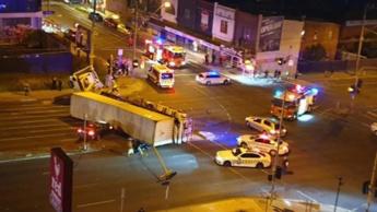 Imagem acidente após fuga de criminosos perseguidos pela polícia