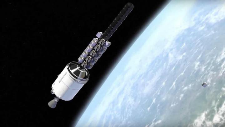 Imagem nave no Espaço e largar satélites para transmitir Internet