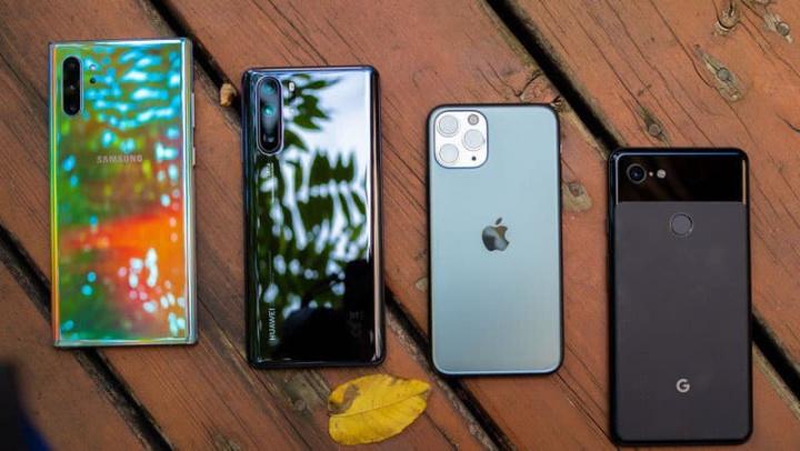 Imagem iPhone versus smartphones android topos de gama