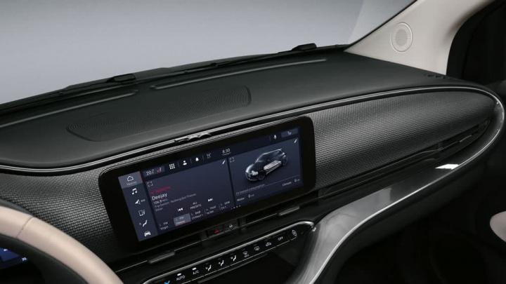 Imagem do painel de controlo digital do noco carro elétrico