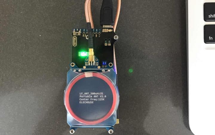 Imagem antena para hacker roubar carros