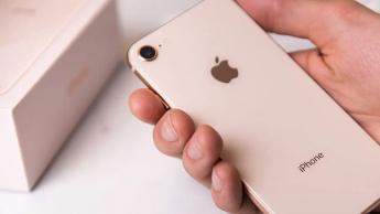 Imagem iPhone 8 a ilustrar iPhone 9