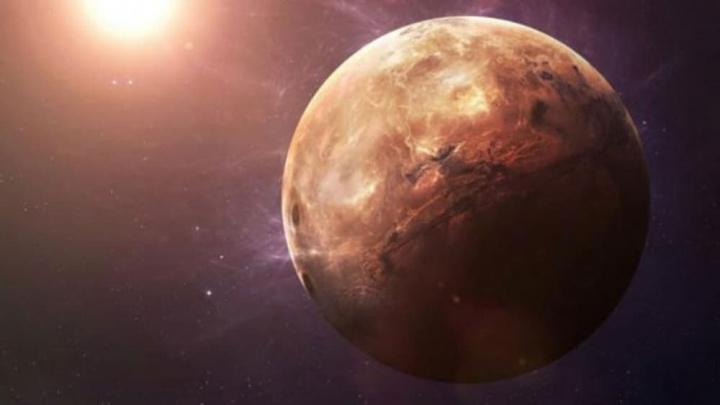 Imagem do planeta Mercúrio que tem água nos seus glaciares