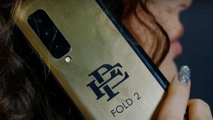 Pablo Escobar Fold dobrável smartphone falso